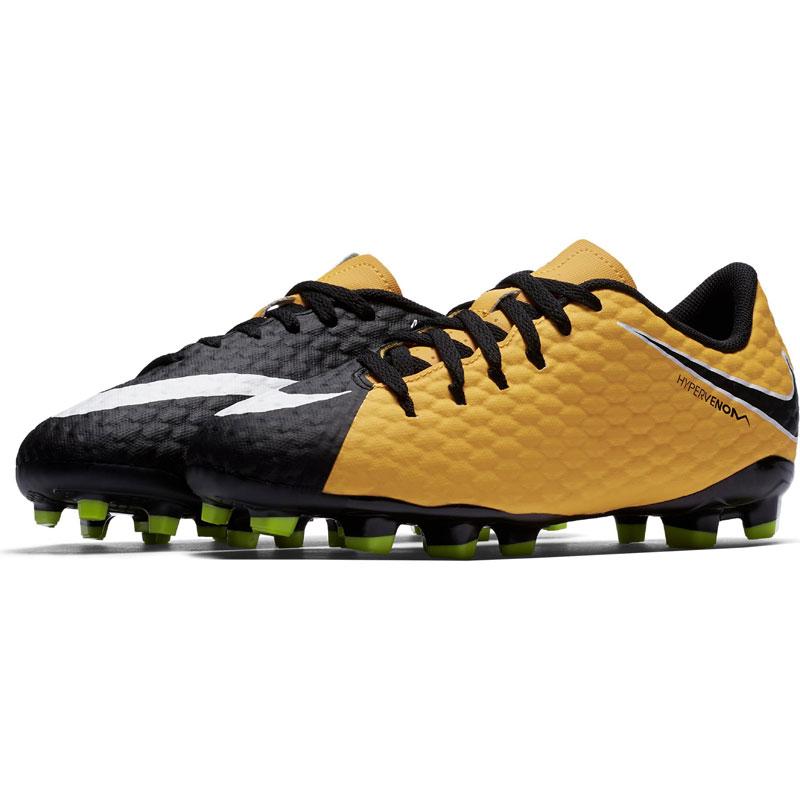 immagini scarpe calcio nike